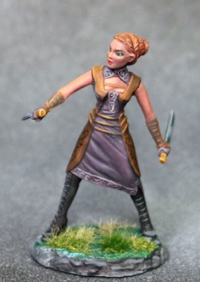 Female Rogue with Daggers