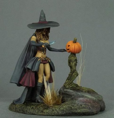 Limited/Special Edition Miniature: Witch with Minion