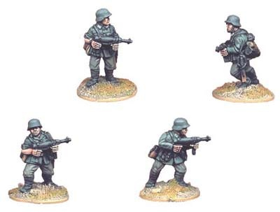 German Infantry with SMG (4 figs)