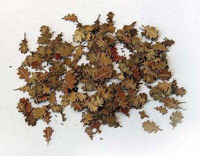 Laub: Eichenblätter braun (1:35)