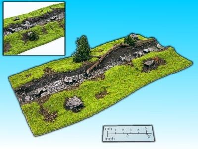 Geländestück Bach 3 mit Baumstamm