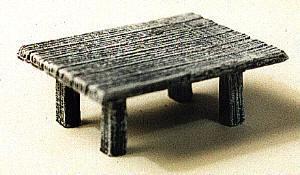 Eckiger Tisch