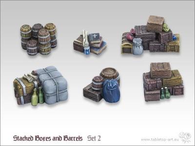 Kisten und Fässerstapel 2