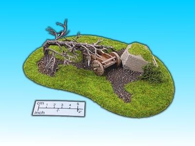 Geländestück Toter Baum m. Karren