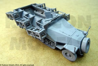 Sdkfz 251 Halftrack Stuka am Fuss (1/56)