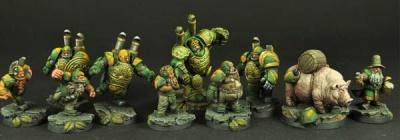 28/30mm Dwarves Football Team (10)