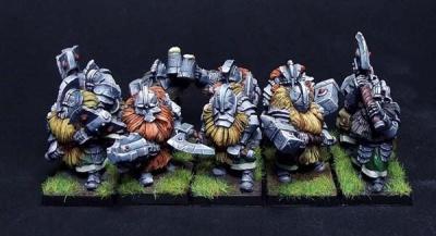Zwergenkrieger Zweihandwaffen (10)