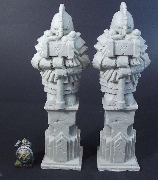 Dwarf Statues (2)