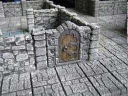 Dunkelstadt - Dungeon Element Mauer mit Tür (2)