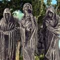 Statuen und Zubehör