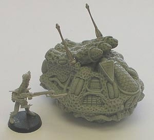 Alien Schwebepanzer mit Sporenwerfer